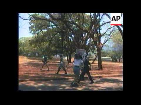 ZIMBABWE: HARARE: RIOT POLICE CLASH WITH TRADE UNION MEMBERS