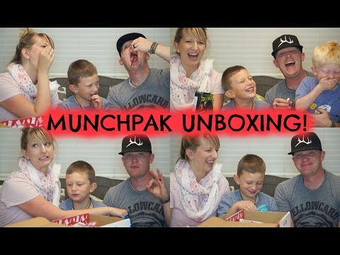Zombie Chips and Spicy Fruit??! | October 2016 Munchpak unboxing!