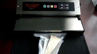 видео бескамерный вакуумный упаковщик