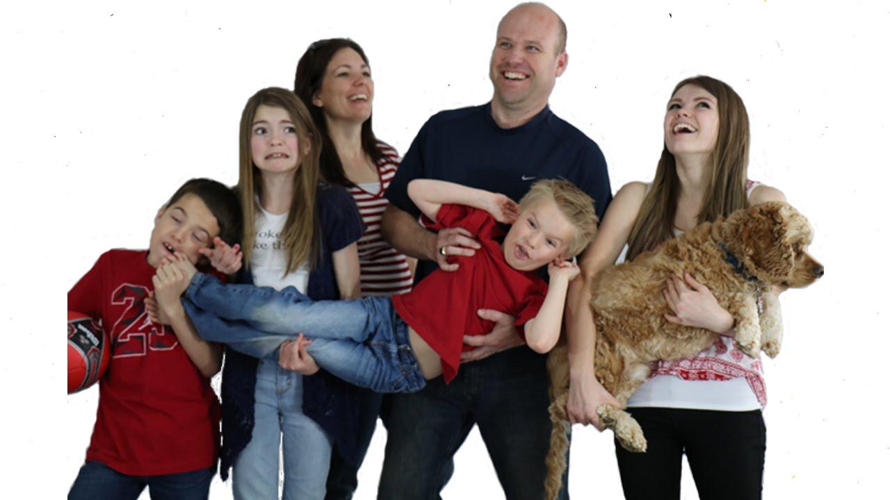 Anak bungsu cenderung paling disukai orangtua (gambar dari: olehhttps://www.youtube.com/watch?v=rgdqCzDa0wo)