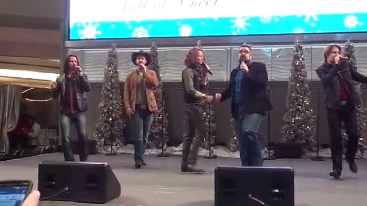 Download Home Free Kick's Off Full of Cheer Tour at Mall of America (Christmas Medley)