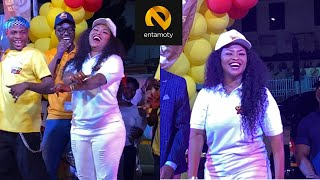 Nana Ama McBrown Surprise Everyone With Her Dance Move On Stage