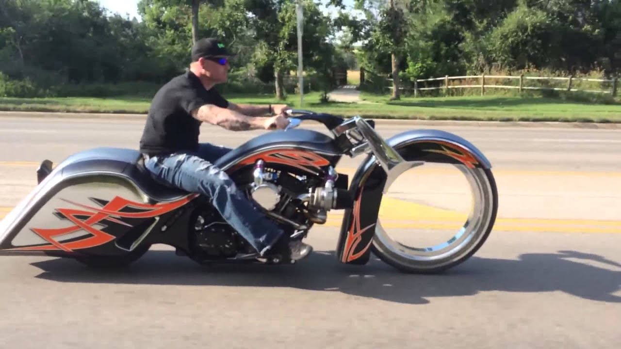 "Custom Harleys Baggers For Sale >> CRAZY 30"" Hubless Harley Custom Bagger Twin Turbo - YouTube"