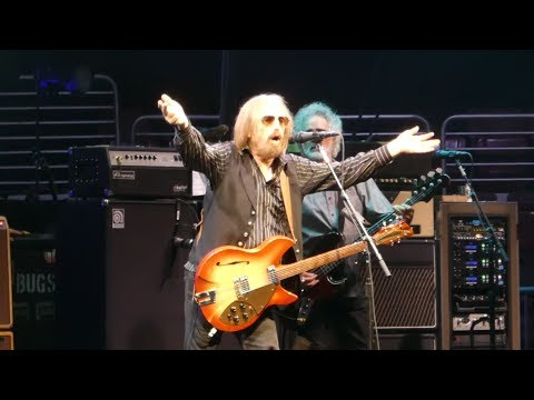 """Dont Come Around Here No More & Band Intros"" Tom Petty@Philadelphia 7/29/17"