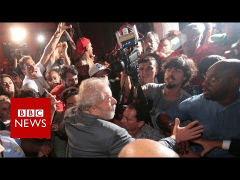 Lula: Former Brazilian president surrenders to police - BBC News