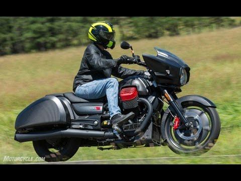 2017 Moto Guzzi MGX-21 Flying Fortress Review