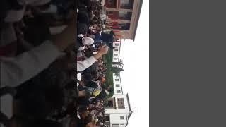 عااجل: تلاميذ محتجون يهتفون بكلام مخل للحياء أمام البرلمان بالعاصمة الرباط المغرب
