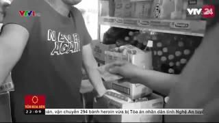 Thủ đoạn tiêu thụ tiền giả tại thị trường trong nước | VTV24