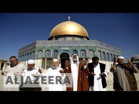 Israelis fire tear gas at Palestinians in al-Aqsa