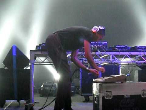 Jeff Mills live on a 909 at Stereosonic Melbourne 2010 # 2