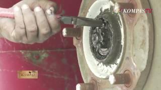Uji Kir Angkot Bermasalah - Berkas Kompas