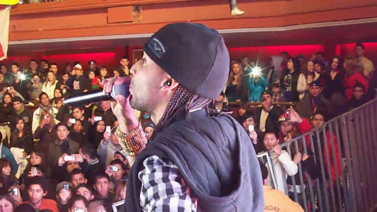J Alvarez Ft. Arcangel - Regalame Una Noche (Live From TEATRO CAUPOLICAN, Chile 07-25-2010)
