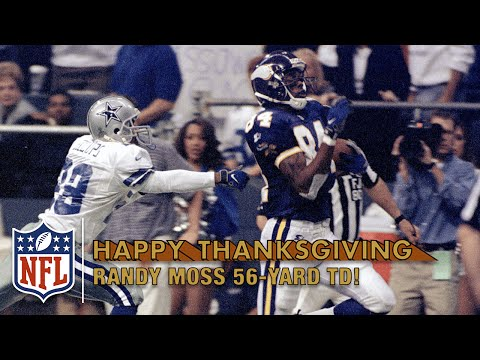 Randy Moss Burns the Cowboys with a 56-Yard Catch-