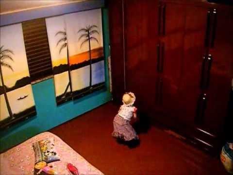 Criança que frequenta umbanda imita emcorporação.wmv