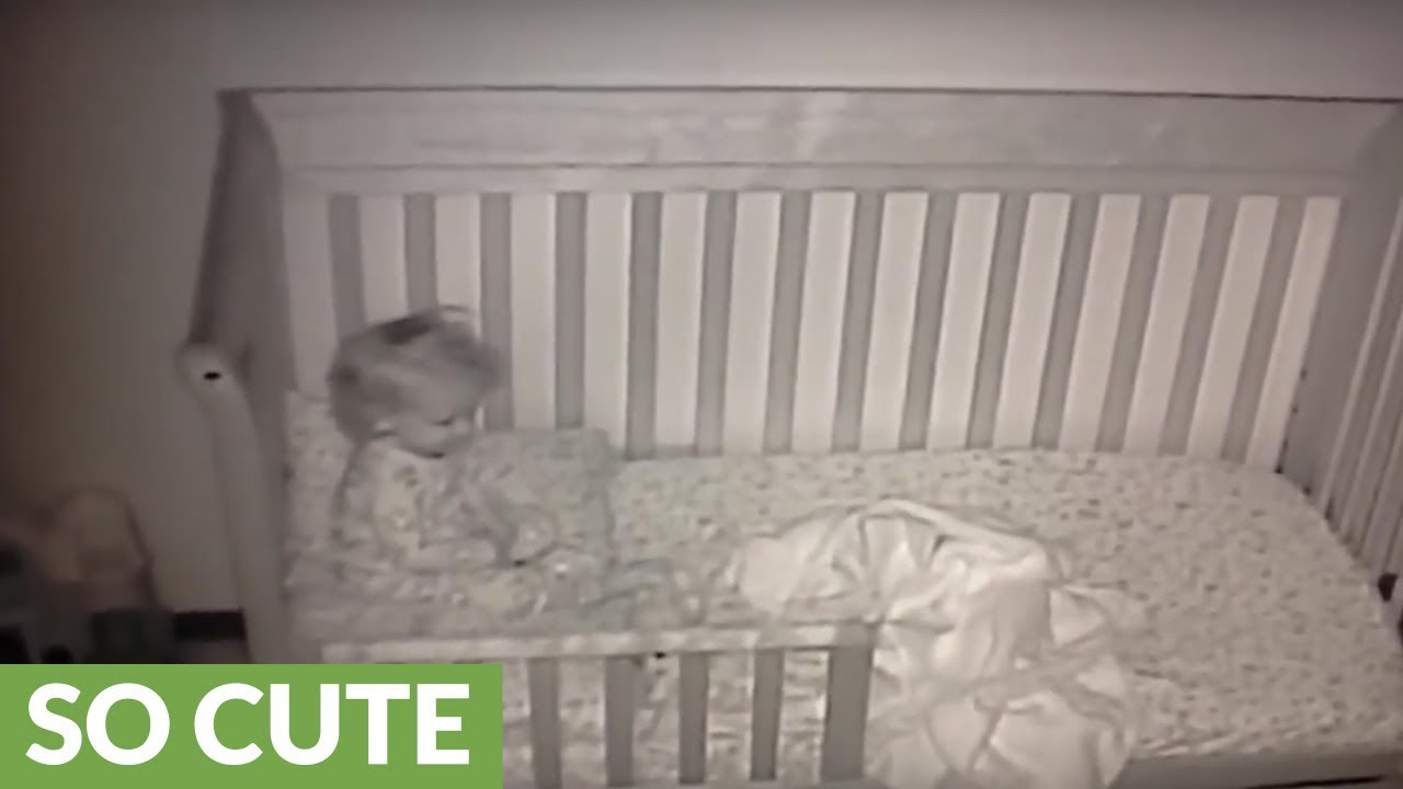baby cam documents little girl 39 s first night in toddler bed youtube. Black Bedroom Furniture Sets. Home Design Ideas