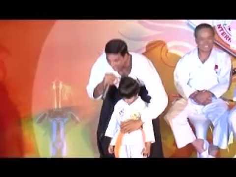 SRK Honoured In Taekwondo So Is Akshay Still The Action Hero