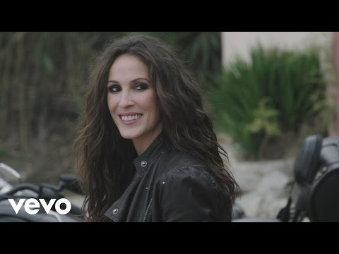 Malú - Quiero (Official Video)
