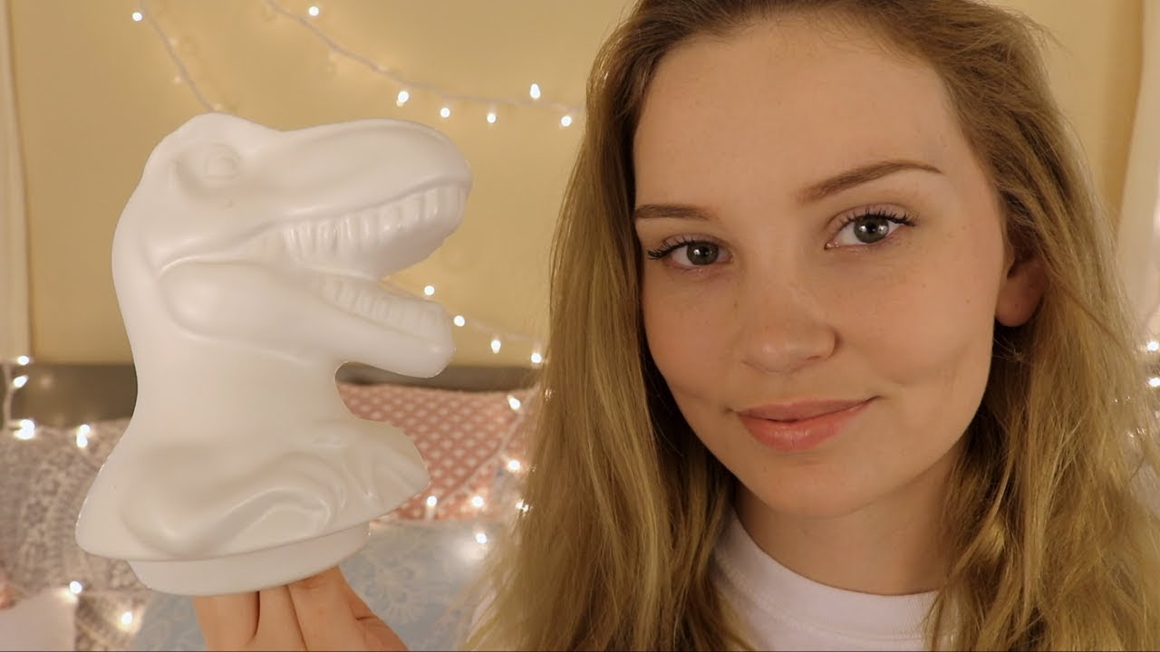 ASMR White Triggers ☁️ Tapping and Scratching ☁️