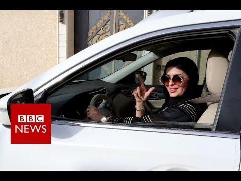 Saudi women hit the road - BBC News