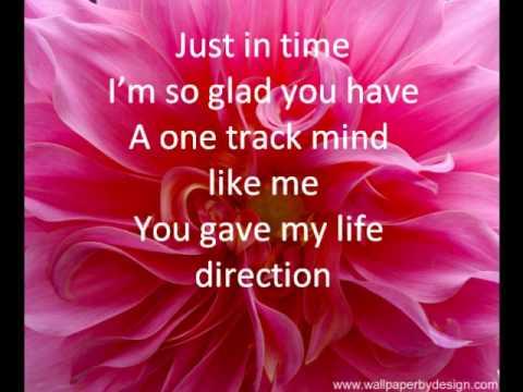 Glee - Hey Soul Sister (lyrics)