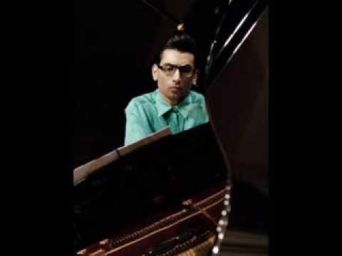 Samuel BARBER: Piano Sonata op.26 performed by Hayk Melikyan