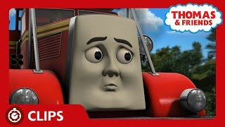 Fiery Flynn and Belle | Clips | Thomas & Friends