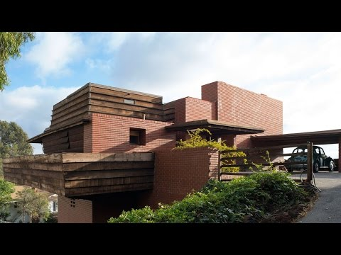This Frank Lloyd Wright House Is on the Market | Fortune