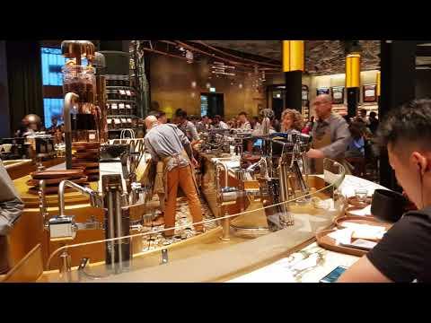 Starbucks Reserve Roastery Milano. 5 minuti di piano sequenza