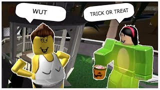 TRICK OR TREATING IN NOVEMBER | Roblox | Bloxburg