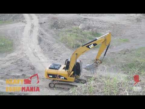 CAT 3200 Excavator Mining in Brown Canyon Indonesia