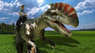 Весёлый Лёва играет с динозаврами и откапывает яйца динозавров игрушечным экскаватором