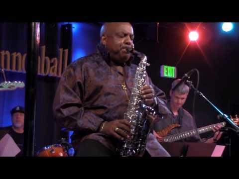 Gerald Albright live: Round Midnight