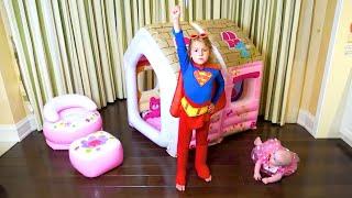Mania  se tornou um super herói e ajuda seus amigos