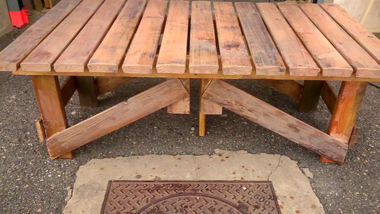 table basse en palette de salon . petit banc en palette pour ...