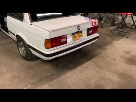 S52-Powered 1991 BMW 318is