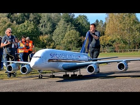 WORLDS BIGGEST RC AIRLINER A-380 800 GIGANTIC XXXL 71KG SCALE 1:15 AMAZING POWERFUL DISPLAY