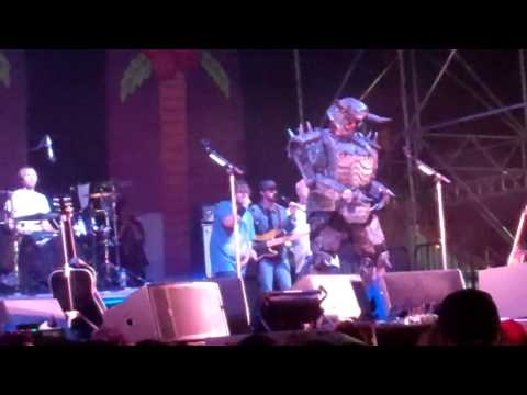 The Metal - Tenacious D Live at The Festival Supreme