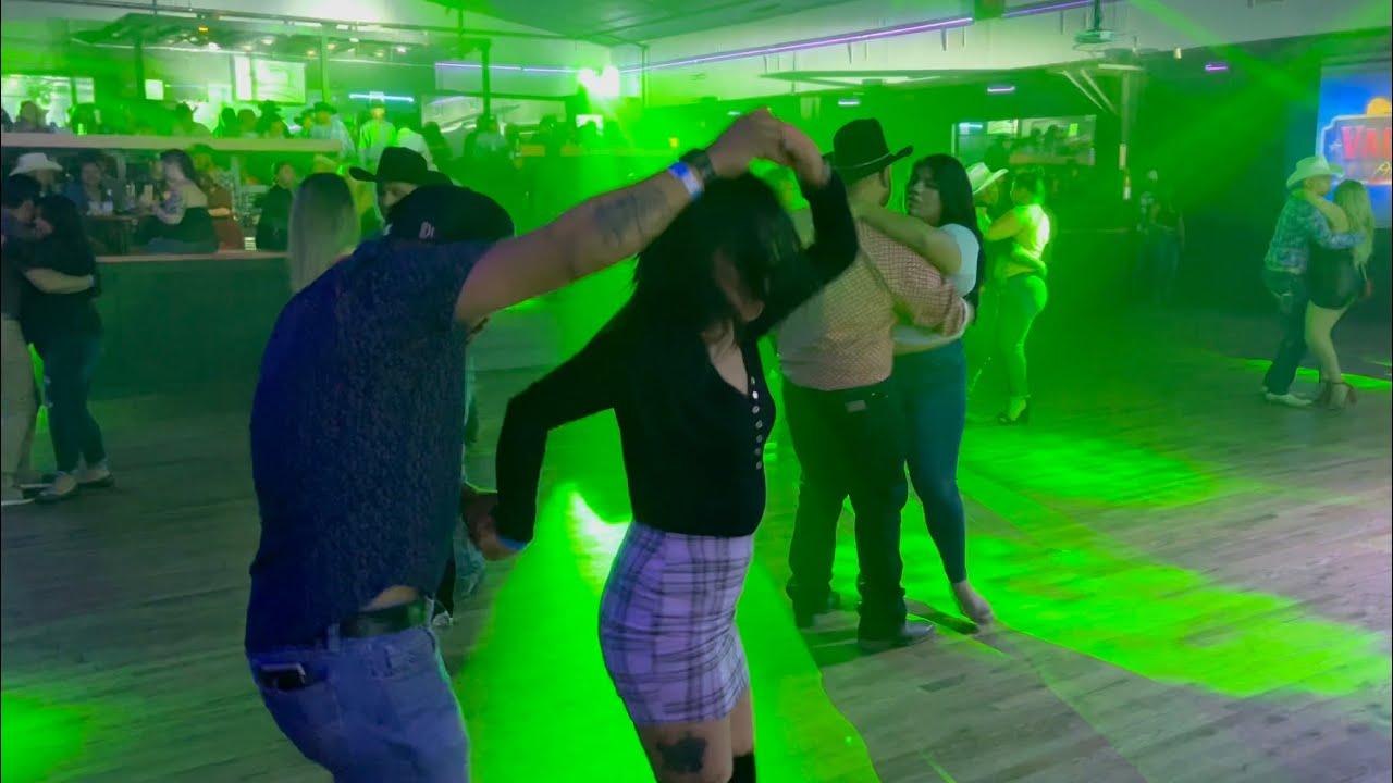 Puro norteño con Sax para bailar así apretadito ! La Cuadrilla Norteña  en el Vaqueros OKC!
