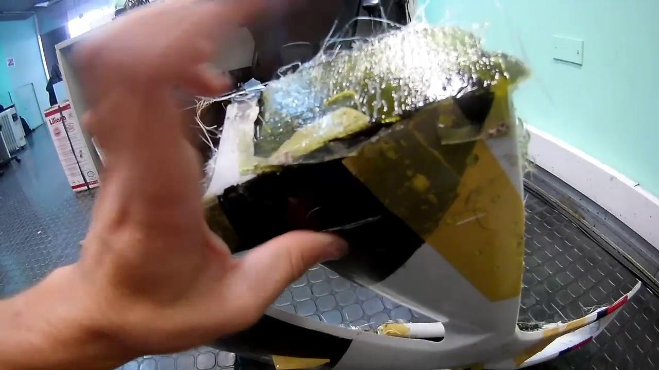Tutorial Como Reparar Plástico De Moto Con Fibra De Vidrio Youtube