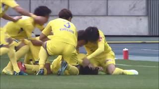 FKのチャンスで中村 駿(山形)の右足から放たれたシュートが直接ゴール...