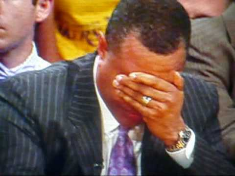 Alvin Gentry Throwing Up in a Trash Can..Lakers vs. Suns