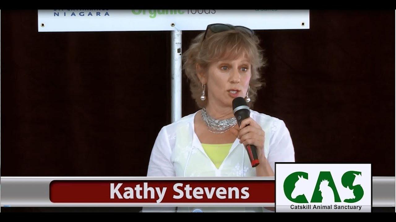 Kathy Stevens (Catskill Animal Sanctuary) at Niagara Vegfest 2014