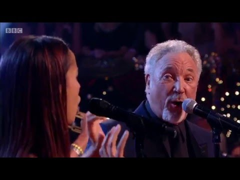 Tom Jones & Rhiannon Giddens - St. James Infirmary Blues [HD] Jools' Annual Hootenanny 2015/16
