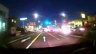右折車が飛び出してきた、ぶつかる! ドライブレコーダー