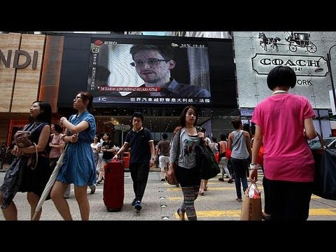 snowden-flees-hong-kong-for-moscow