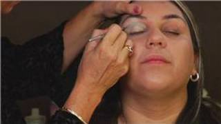 Makeup & Skin Care Tips : How to Do Your Makeup for the Prom Thumbnail