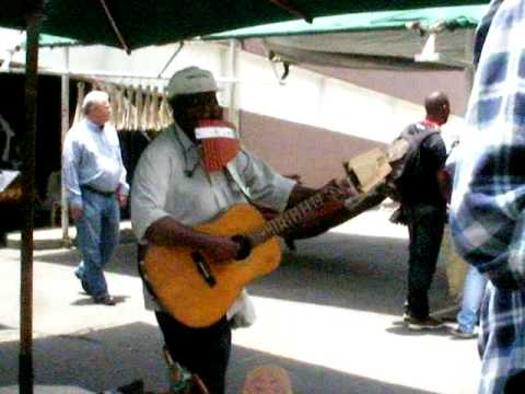 Aweome busker in South African open market in Johannesburg