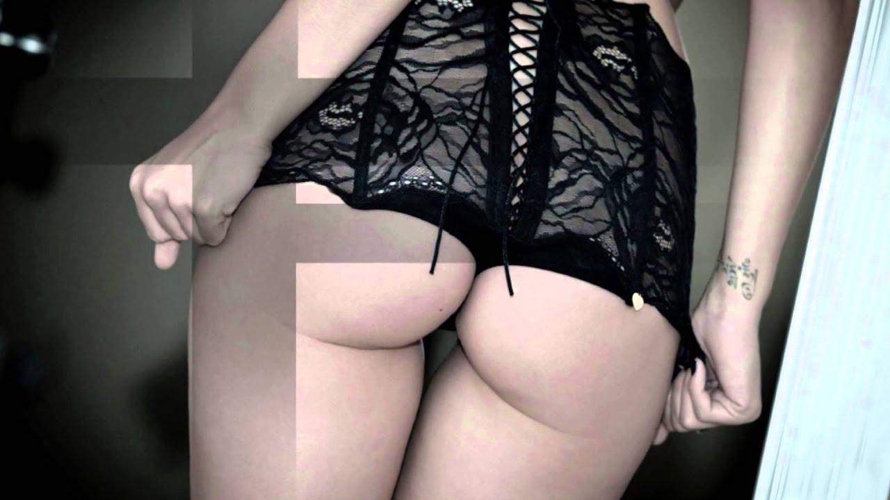 She has no panties on