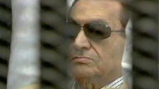 مبارك يطلب اخلاء سبيله واعتقالات جدية لقيادات اخوانية