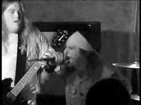 Earthride live @ The Twenty Buck Spin II 1/3